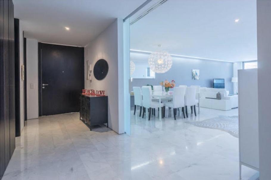 21 Ibiza Kingsize Apartment Es Pouet
