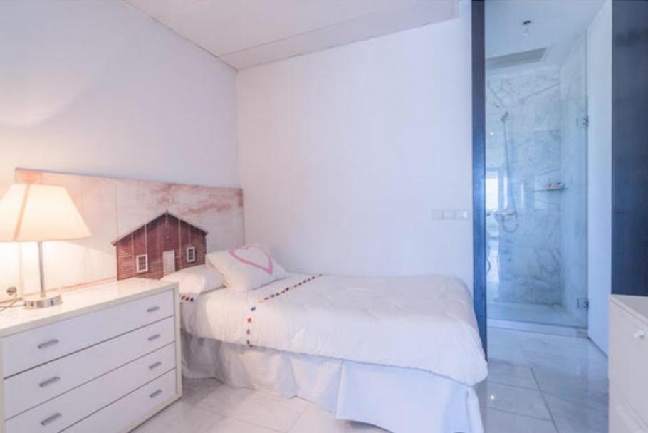 23 Ibiza Kingsize Apartment Es Pouet