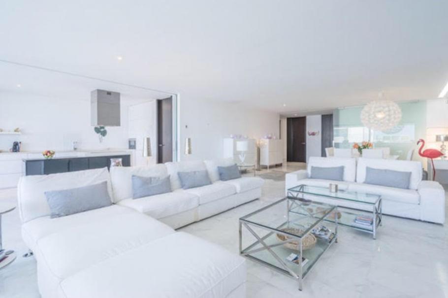 24 Ibiza Kingsize Apartment Es Pouet