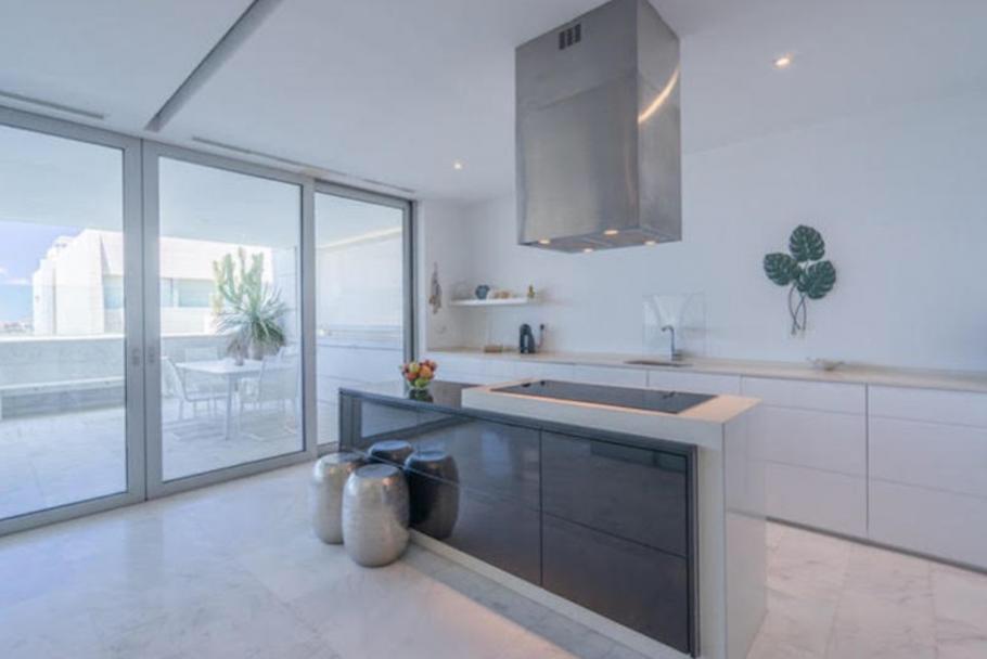 6 Ibiza Kingsize Apartment Es Pouet