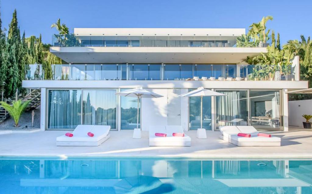 1 Villa In Cap Martinet Ibiza Kingsize.com
