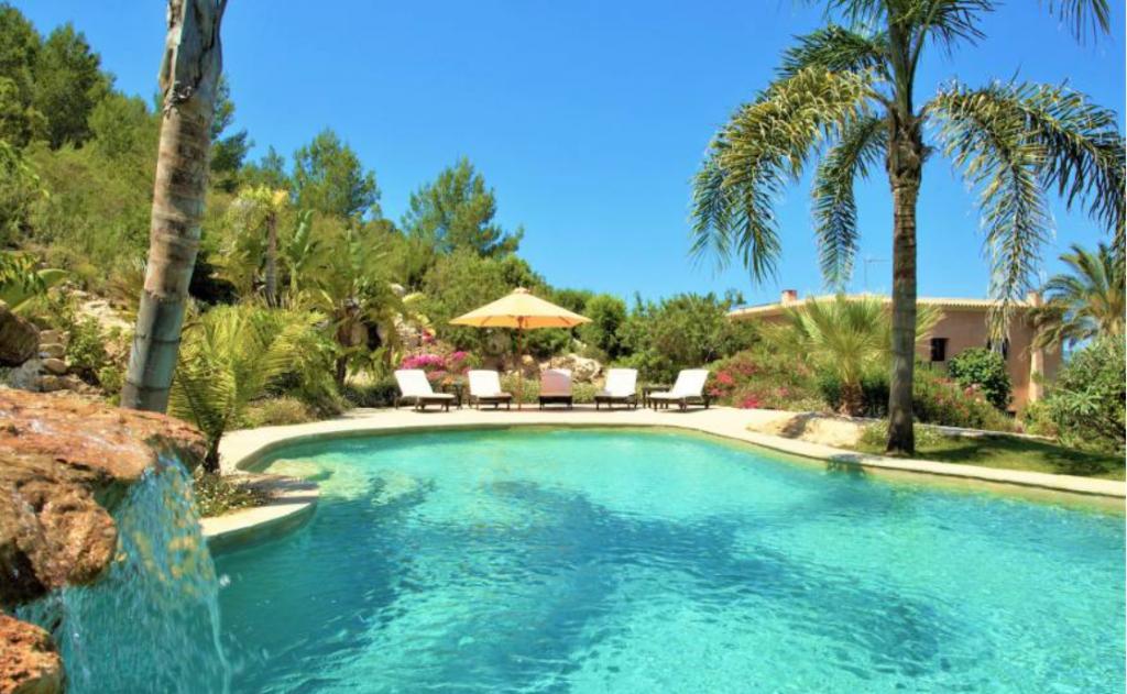 10 Villa In Santa Eulalia Ibiza Kingsize.com