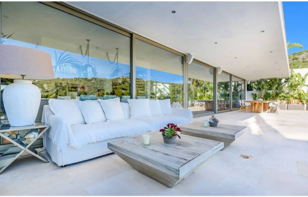 12 Villa In Cap Martinet Ibiza Kingsize.com