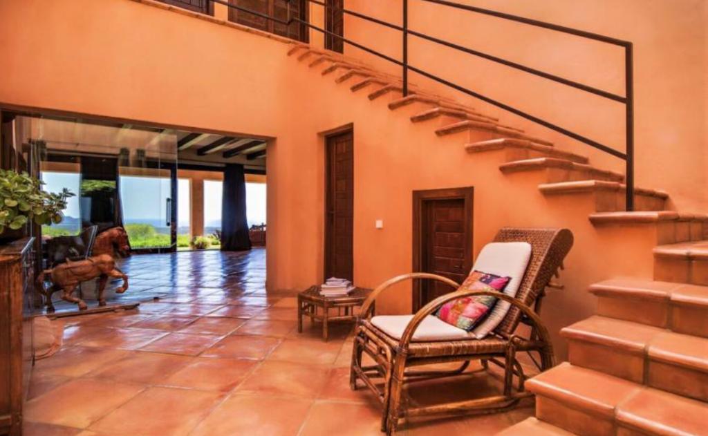 15 Villa In Santa Eulalia Ibiza Kingsize.com