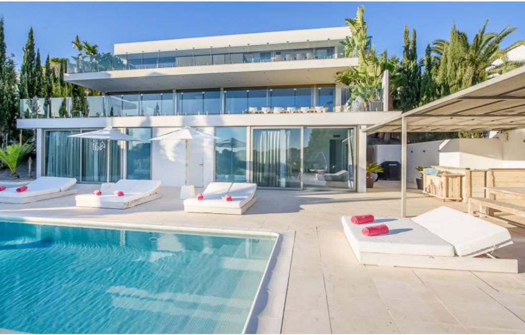 2 Villa In Cap Martinet Ibiza Kingsize.com