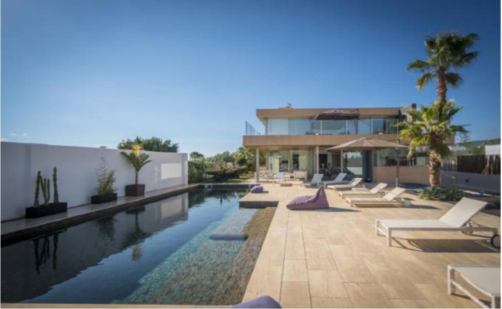 3 Villa In Sa Carocca Ibiza Kingsize.com