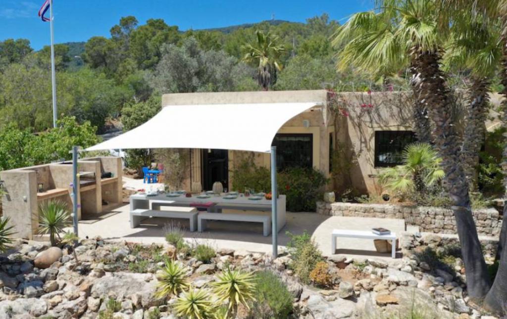 4 Villa In Es Cubells Ibiza Kingsize.com