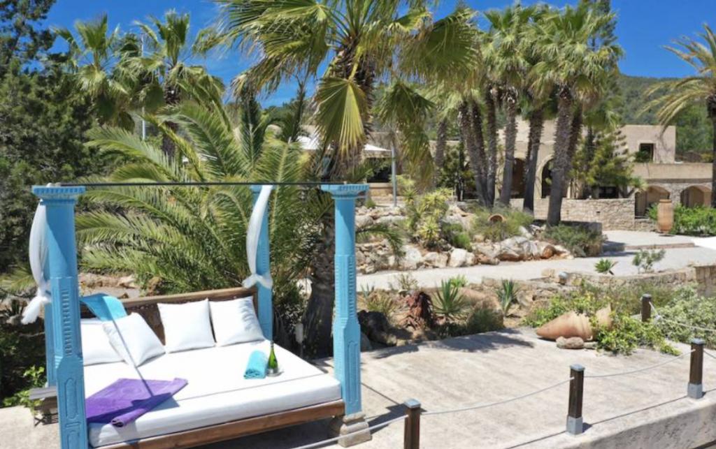 5 Villa In Es Cubells Ibiza Kingsize.com