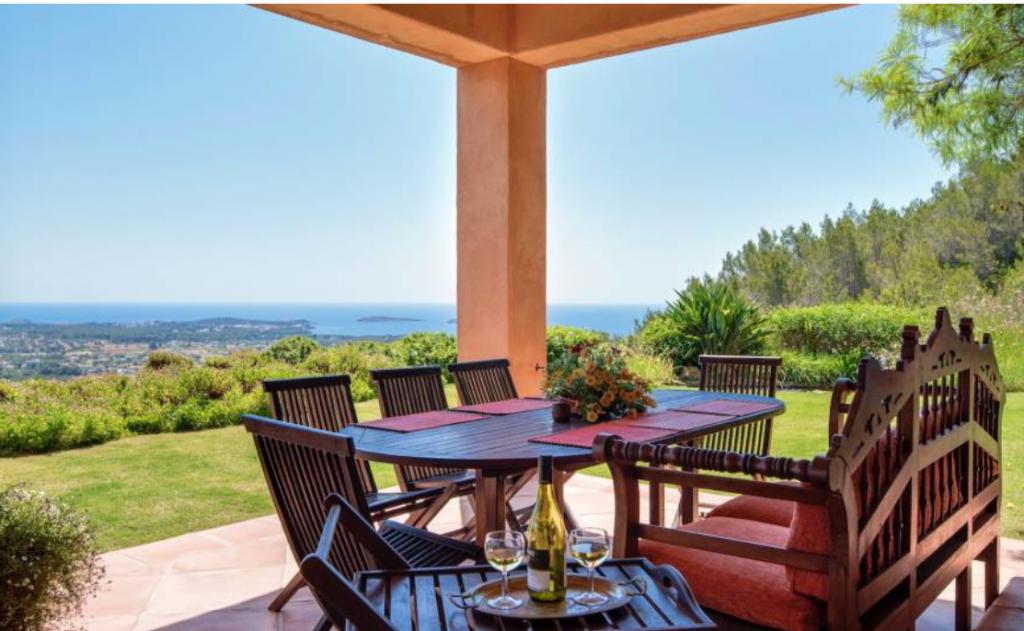 5 Villa In Santa Eulalia Ibiza Kingsize.com