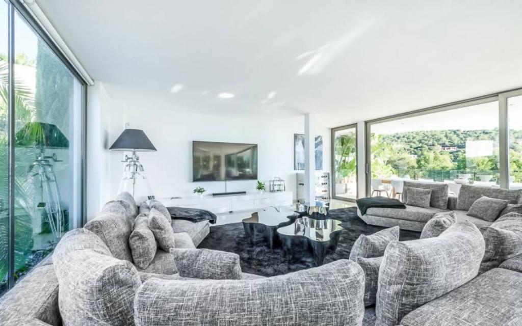 6 Villa In Cap Martinet Ibiza Kingsize.com