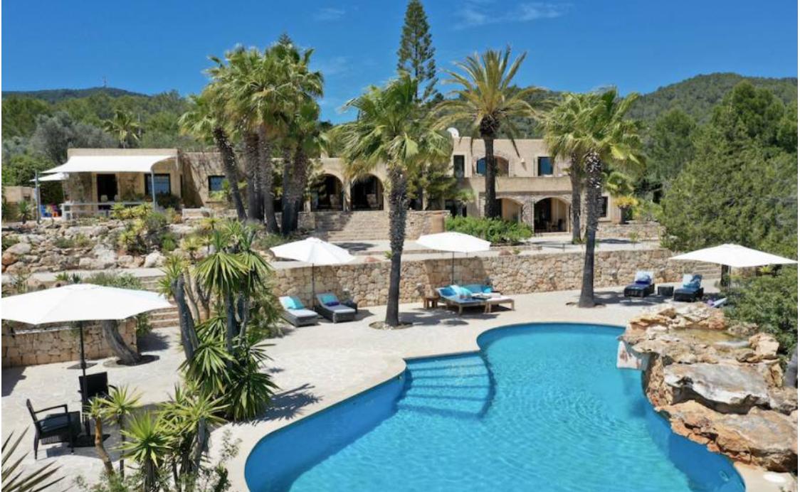 6 Villa In Es Cubells Ibiza Kingsize.com