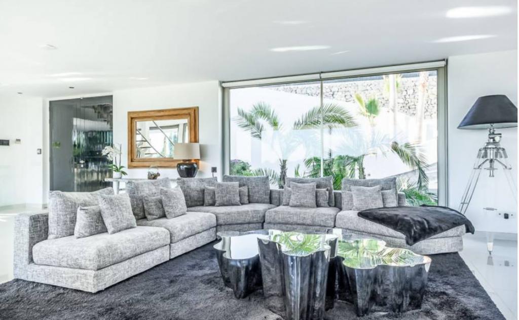 7 Villa In Cap Martinet Ibiza Kingsize.com