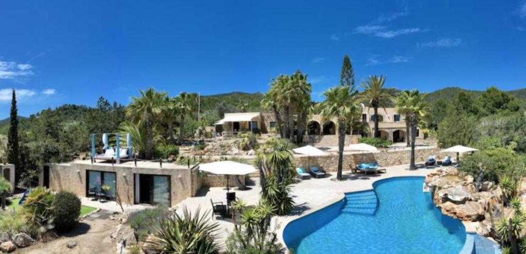 7 Villa In Es Cubells Ibiza Kingsize.com