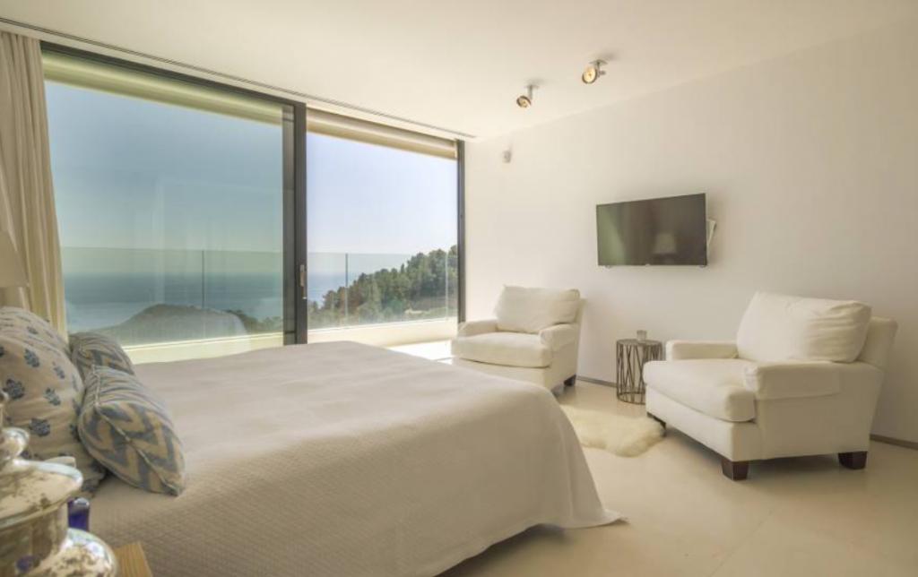 7 Villa In Roca Lisa Ibiza Kingsize.com