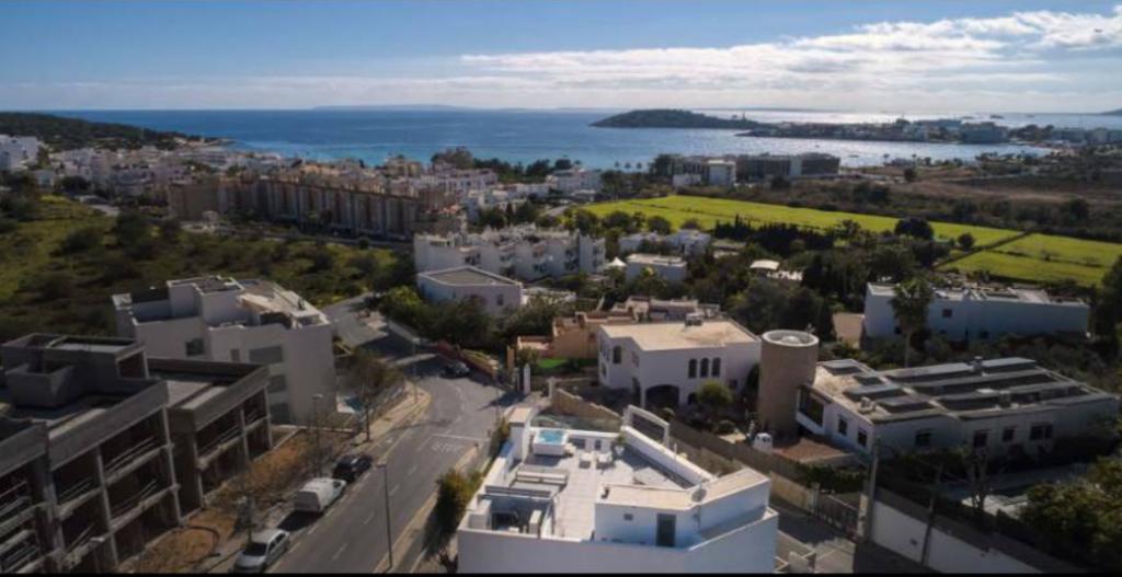 8 Villa In Ses Torres Ibiza Kingsize.com