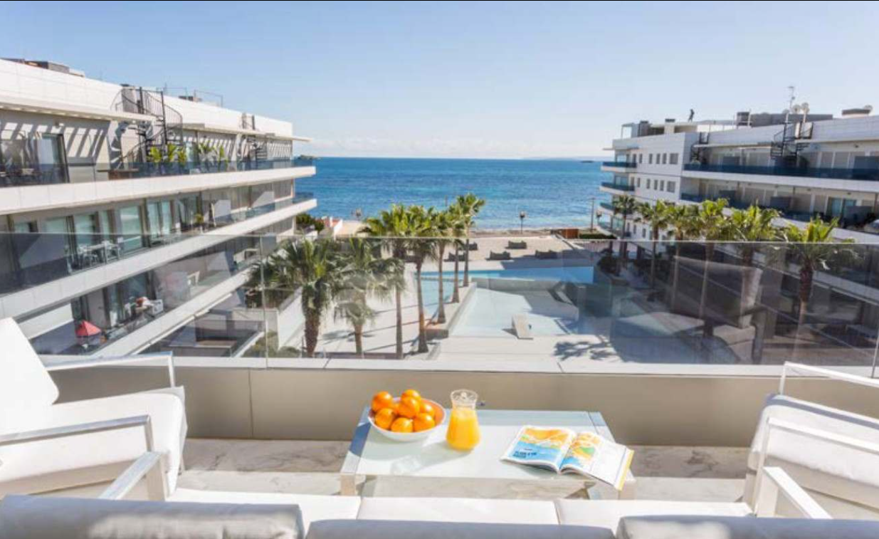 1 Penthouse Playa Den Bossa Ibiza Kingsize.com.jpg