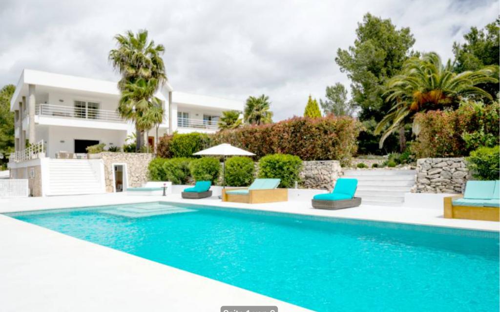 1 Villa Santa Gertrudis Ibiza Kingsize.com.jpg