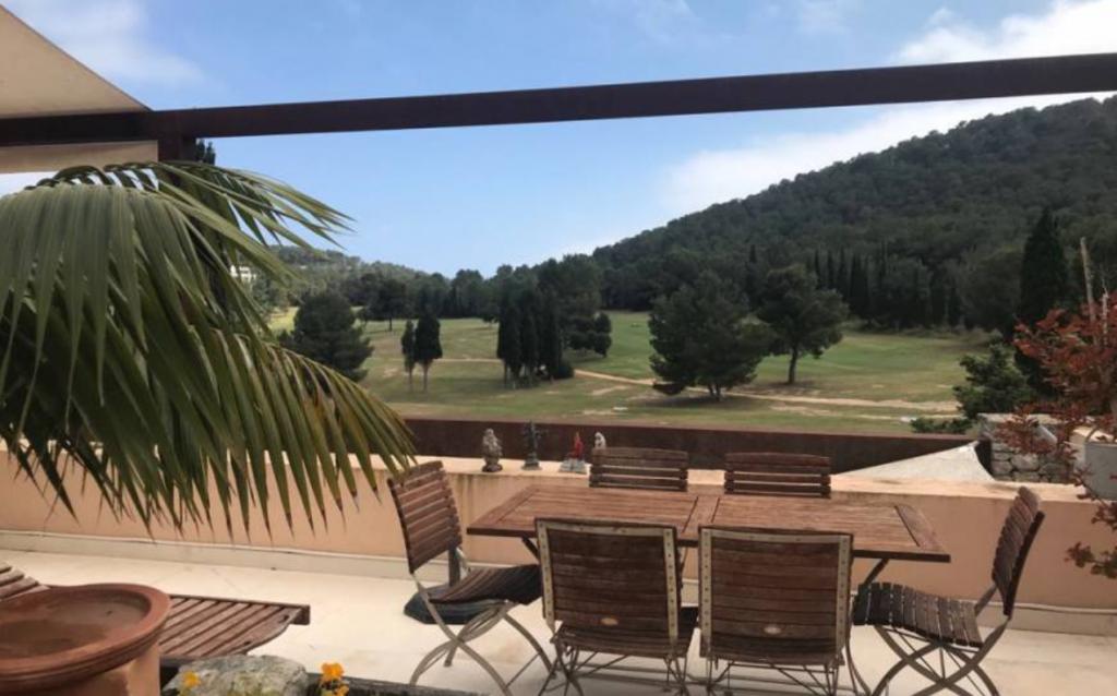 13 Villa Roca Lisa Golf Ibiza Kingsize.com.jpg