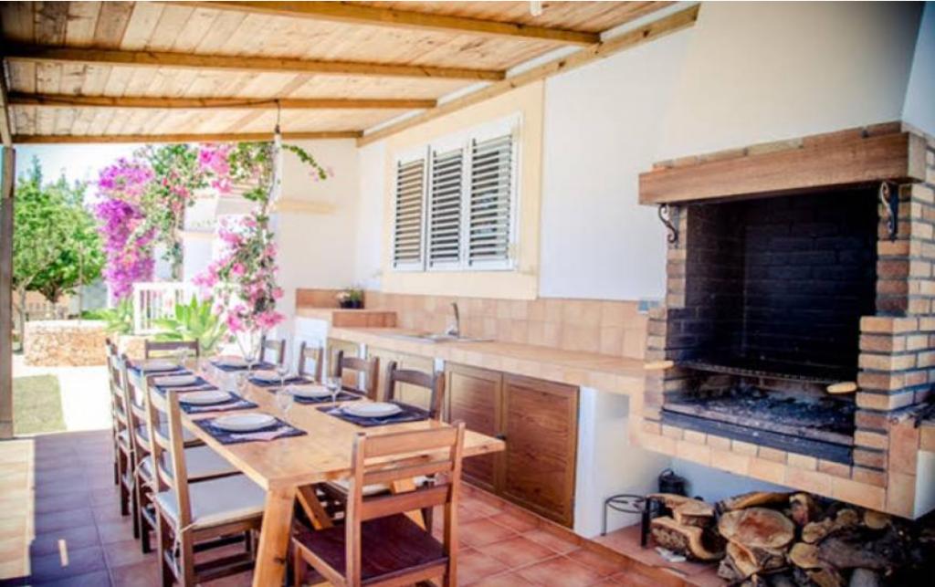 13 Villa Sant Jordi Ibiza Kingsize.com.jpg
