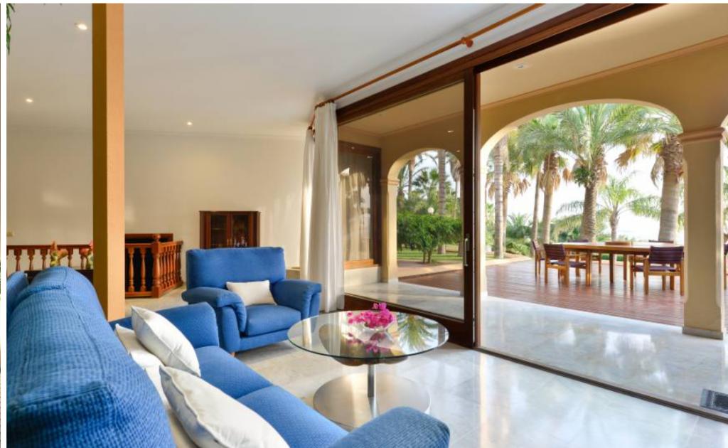 15 Villa Close Jesus Ibiza Kingsize.com.jpg