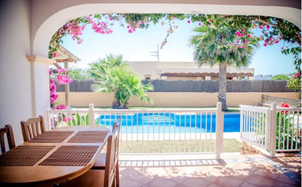 15 Villa Sant Jordi Ibiza Kingsize.com.jpg