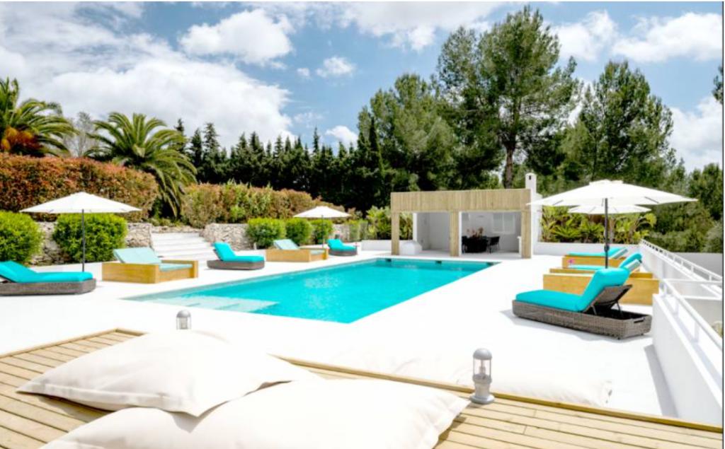 2 Villa Santa Gertrudis Ibiza Kingsize.com.jpg