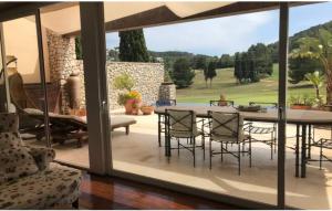 3 Villa Roca Lisa Golf Ibiza Kingsize.com.jpg
