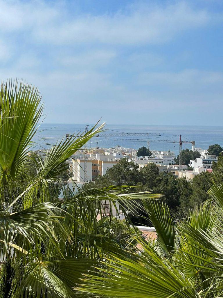 32 Villa In Santa Eulalia Ibiza Kingsize.com.jpg