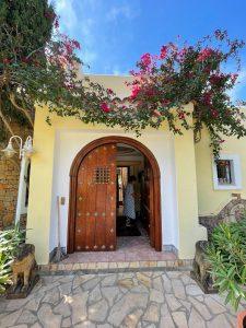 34 Villa In Santa Eulalia Ibiza Kingsize.com.jpg
