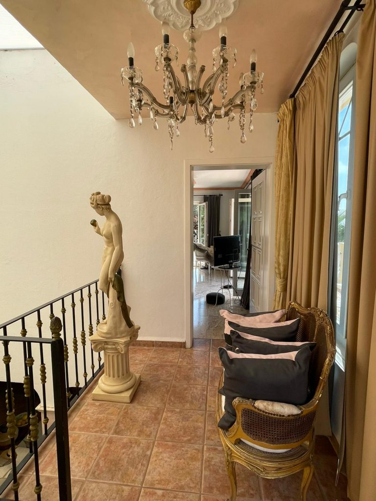 38 Villa In Santa Eulalia Ibiza Kingsize.com.jpg