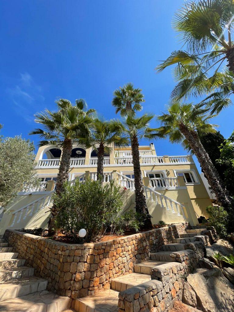 45 Villa In Santa Eulalia Ibiza Kingsize.com.jpg