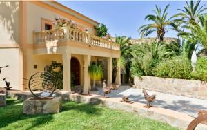 5 Villa Close Jesus Ibiza Kingsize.com.jpg