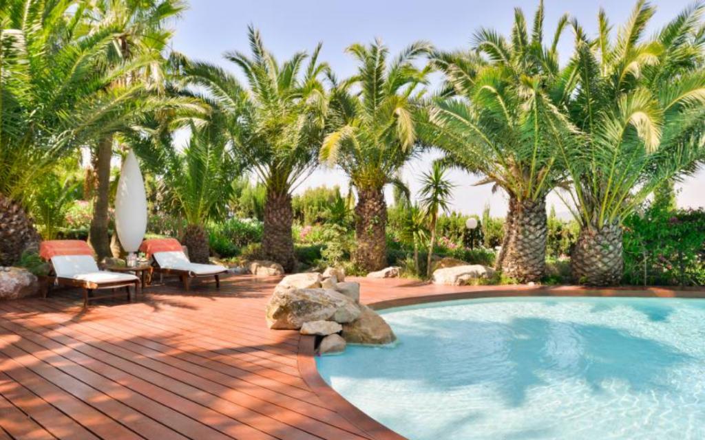 6 Villa Close Jesus Ibiza Kingsize.com.jpg