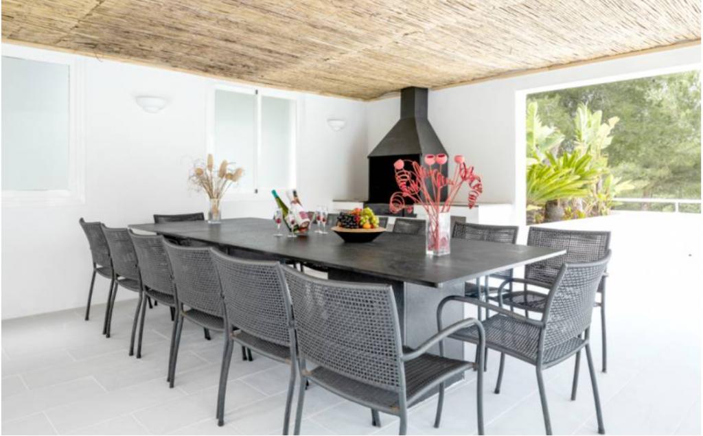 6 Villa Santa Gertrudis Ibiza Kingsize.com.jpg