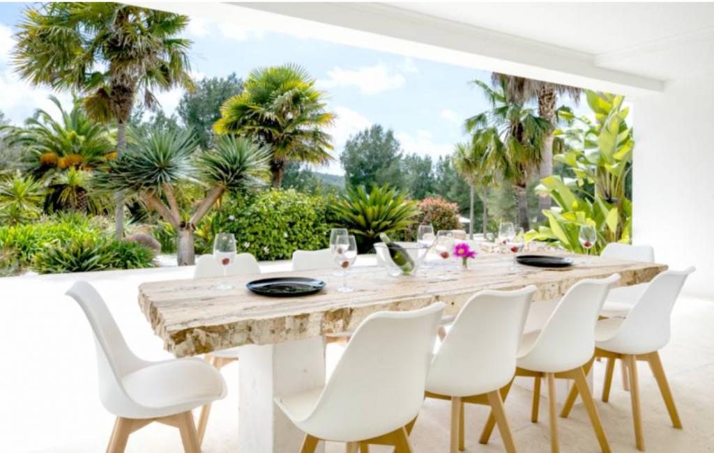 8 Villa Santa Gertrudis Ibiza Kingsize.com.jpg