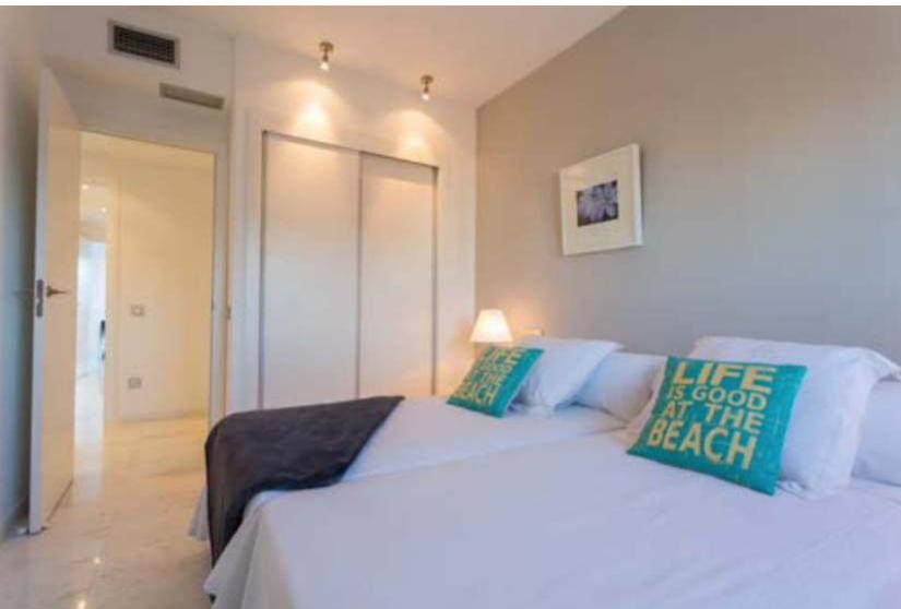 9 Penthouse Playa Den Bossa Ibiza Kingsize.com.jpg
