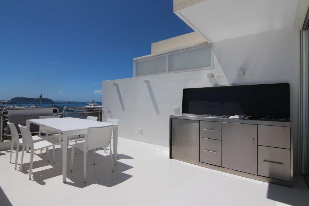14 Penthouse Marina 34 Ibiza Kingsize.com.jpg