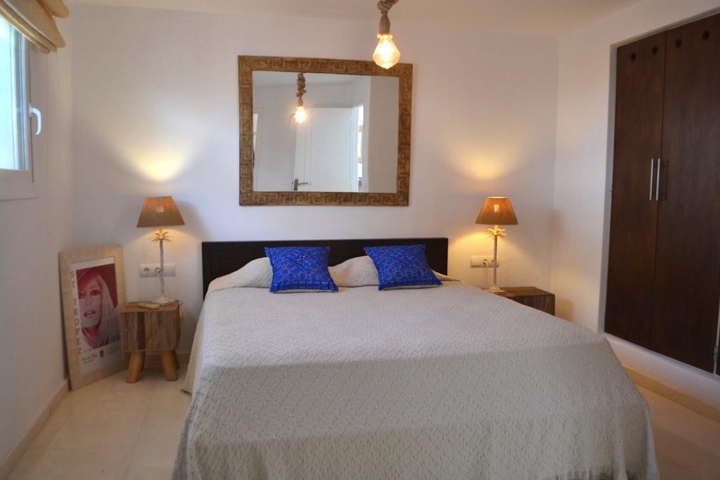 15 Apartment Roca Llisa 34 Ibiza Kingsize.com.jpg