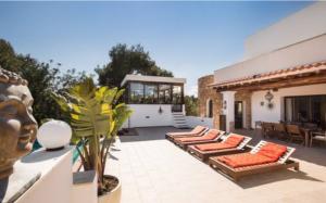 2 Villa Santa Eulalia Ibiza Kingsize.com.jpg