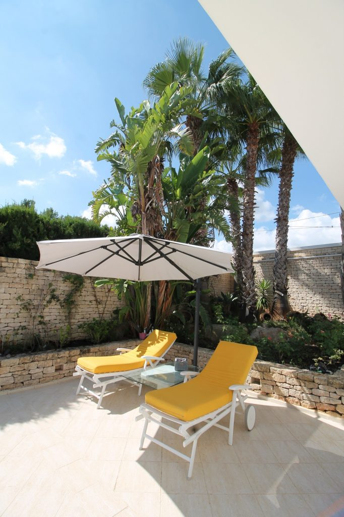22 Villa Hinter Can Furnet Ibiza Kingsize.com.jpg