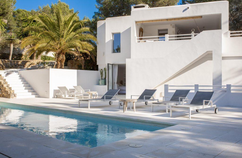 26 Villa Hinter Can Furnet Ibiza Kingsize.com.jpg