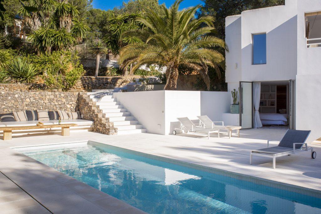 28 Villa Hinter Can Furnet Ibiza Kingsize.com.jpg