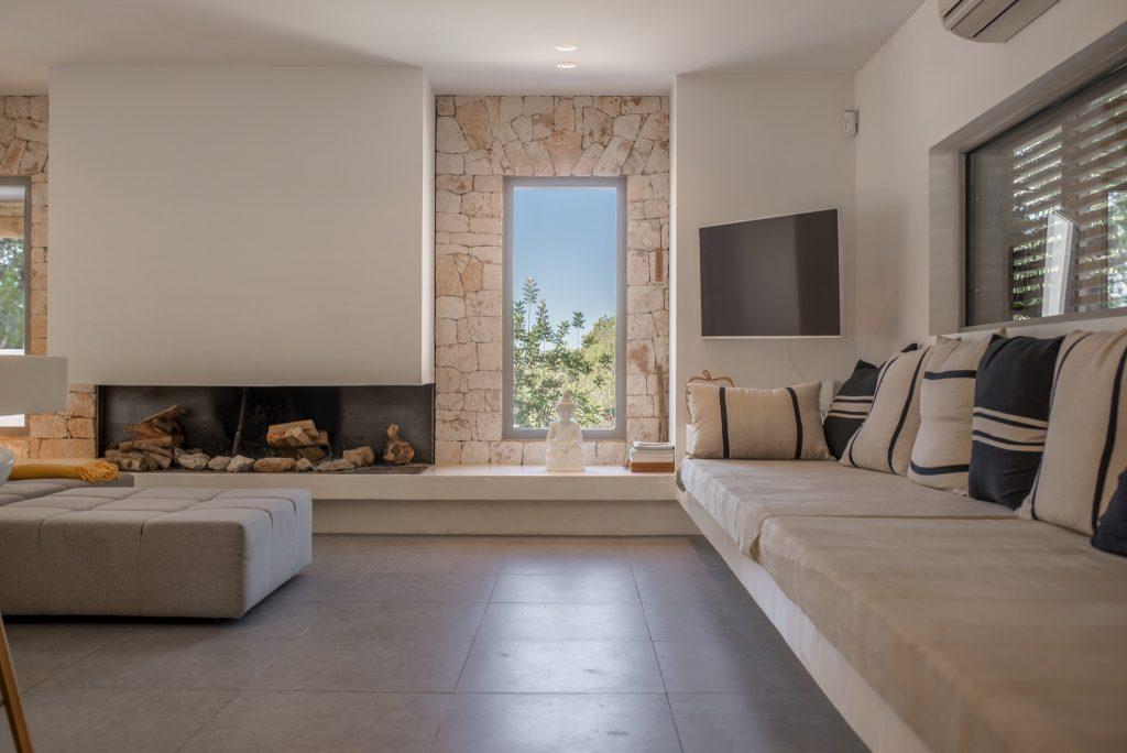 29 Villa Hinter Can Furnet Ibiza Kingsize.com.jpg