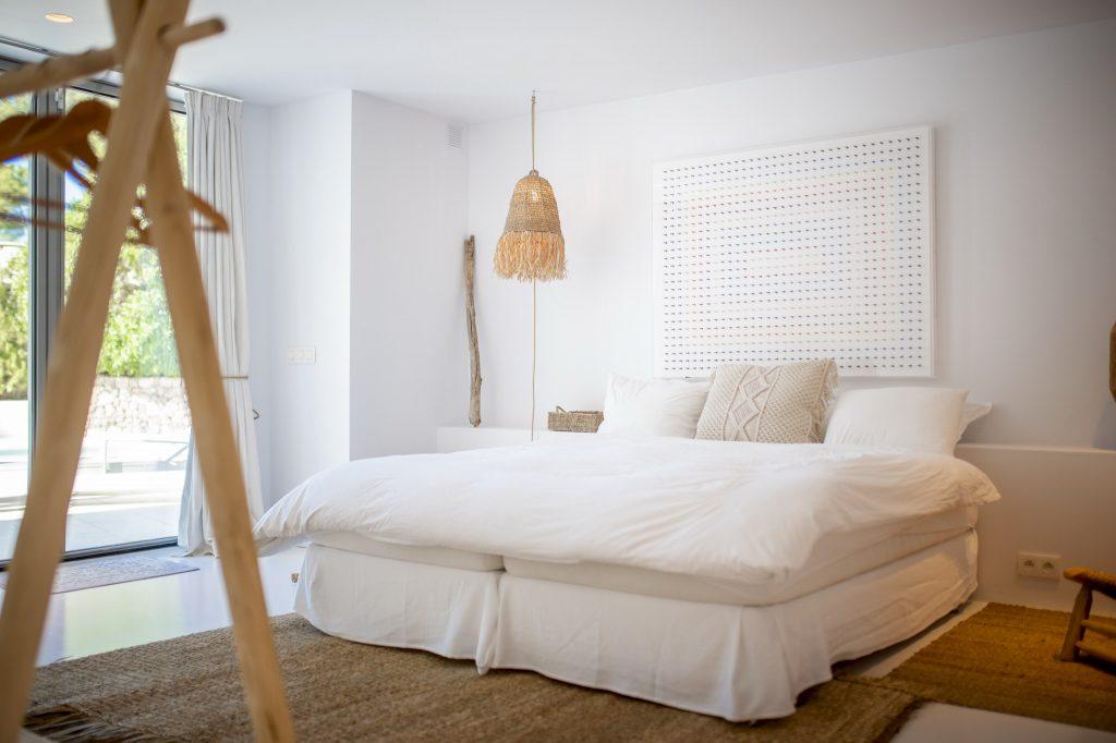 6 Villa Hinter Can Furnet Ibiza Kingsize.com.jpg