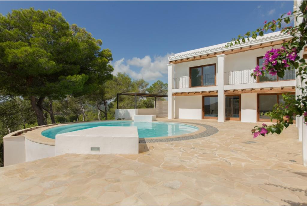 10 Villa Santa Eulalia Ibiza Kingsize.com.jpg