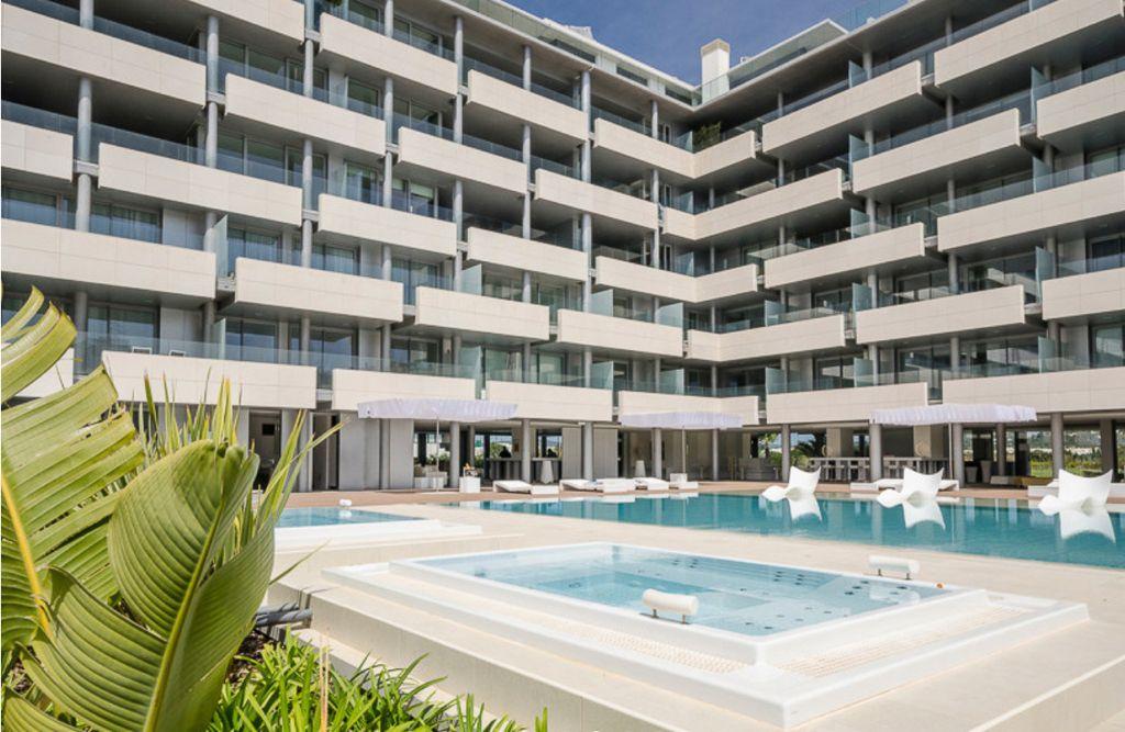5 Apartment Marina Botafoc White Angel Ibiza Kingsize.com.jpg