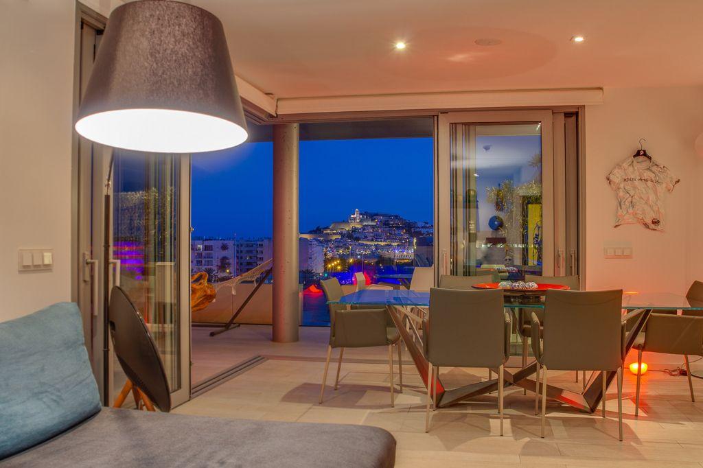 8 Apartment Marina Botafoc White Angel Ibiza Kingsize.com.jpg