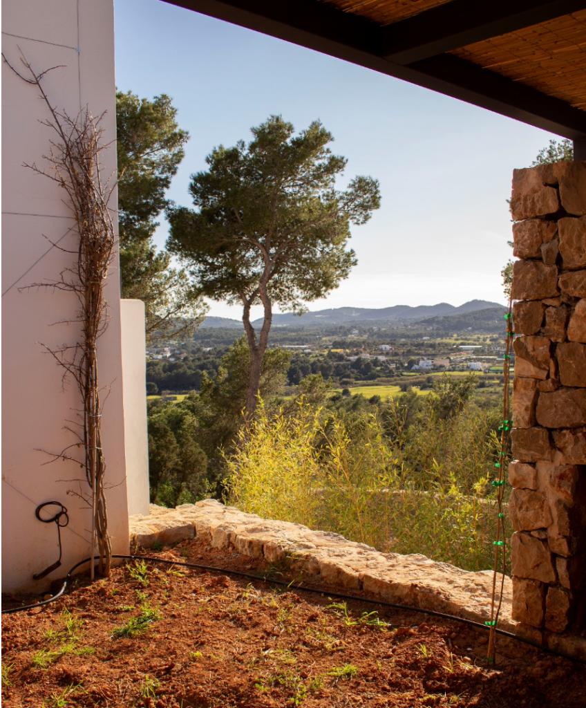 8 Villa Santa Eulalia Ibiza Kingsize.com.jpg