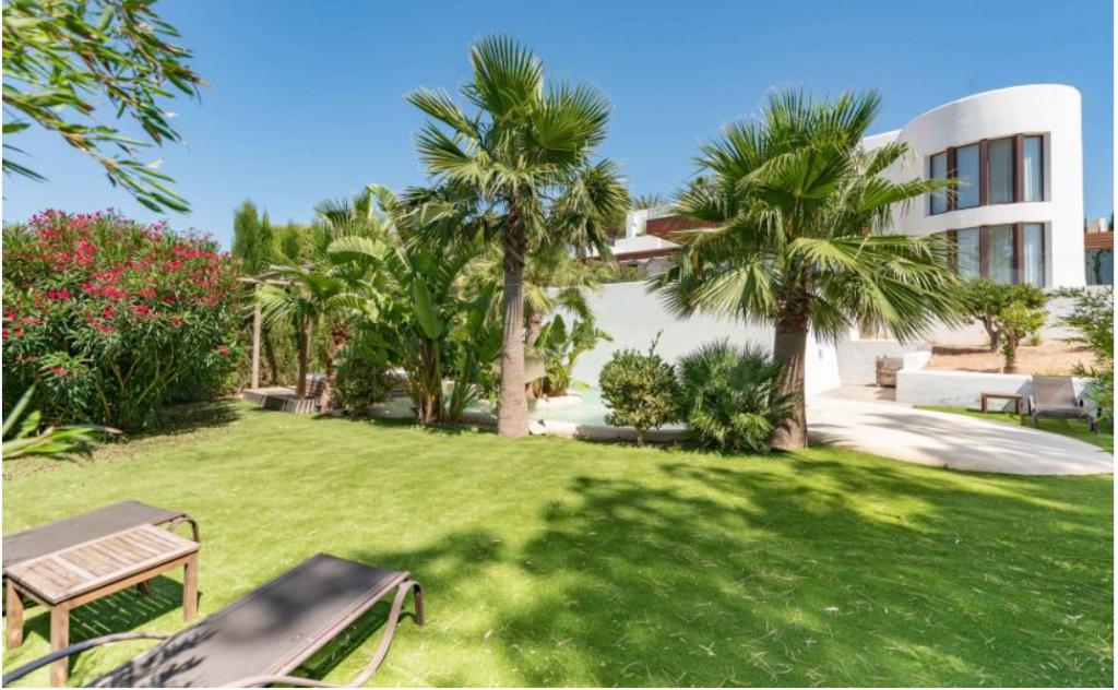8 Villa Es Vedra San Jose Ibiza Kingsize.com.jpg